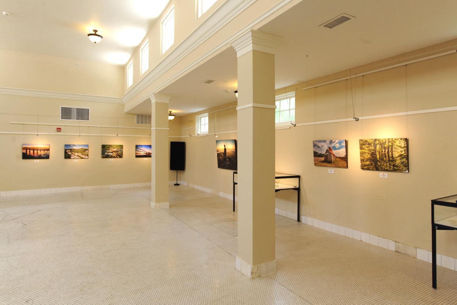 gallery opening - Ozark Bathhouse Aug 2021